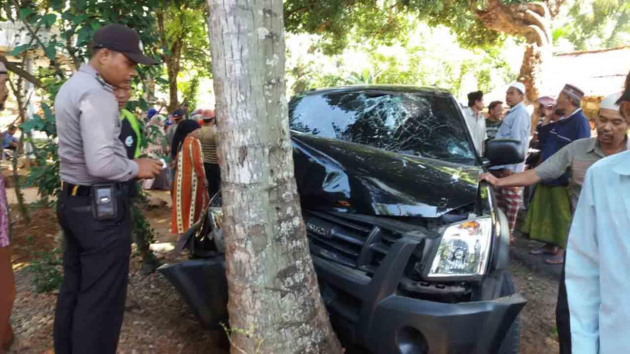 Mobil Dinas Pertanian Kecelakaan, 3 Pegawai Masuk Rumah Sakit