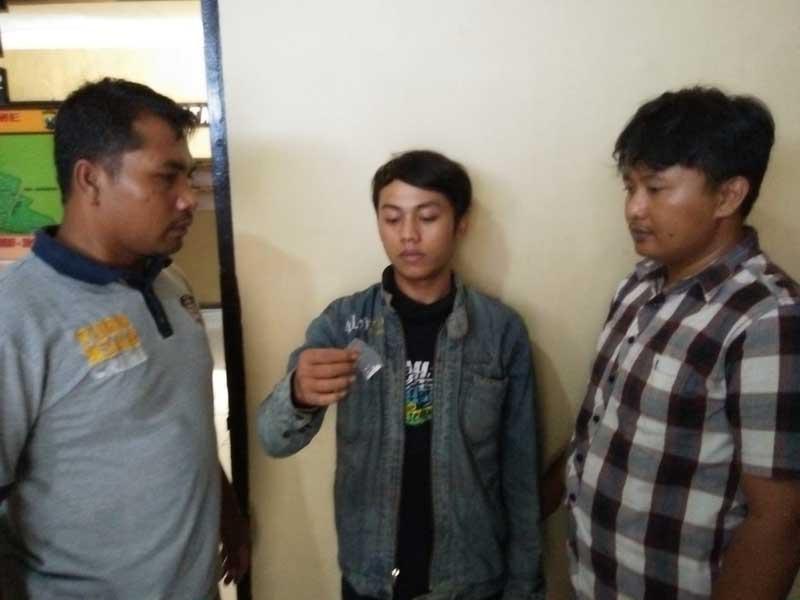 Pemuda Asal Pasuruan Ditangkap Polisi saat Berada di Gudang Tembakau ... c5161dbda0