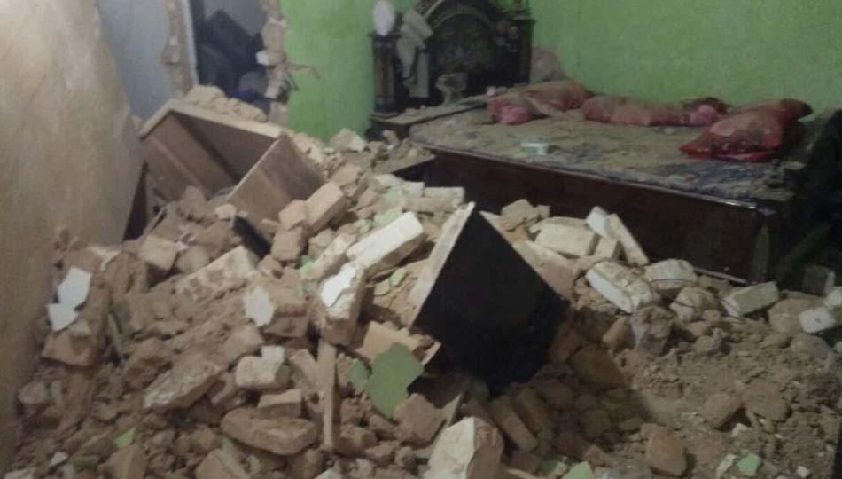 Salah Satu Rumah Warga Di Desa Bullaan Rusak Parah Akibat Gempa Bumi Sumenep