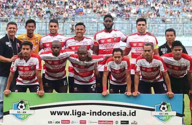 Wing Back Madura United Al-Fath Fathier Absen Lawan Madura FC