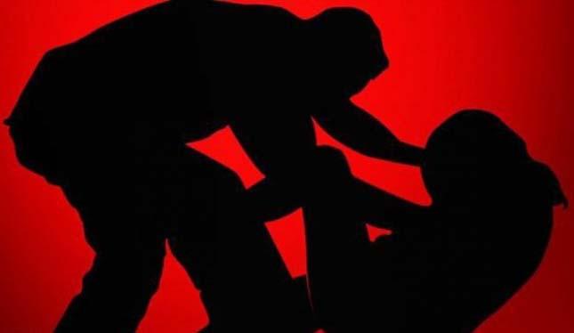 ABG ini Dicangkul Lalu Diperkosa Saat Sekarat