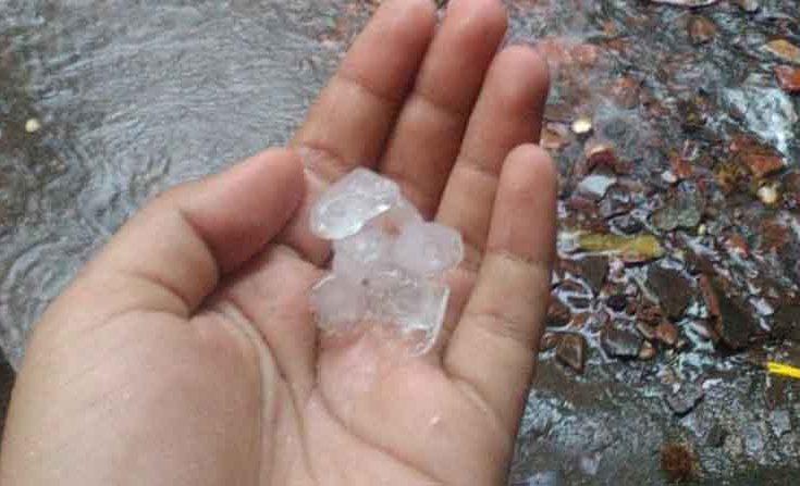 Fenomena Hujan Es Terjadi di Sulsel, Rusak Rumah Warga