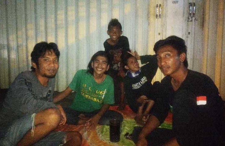 Jelang Madura United vs Persebaya, Begini Cerita Para Bonek Mania hingga Rela Tidur di Jalanan
