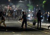 Ambulans Parpol Penuh Batu dan Amplop Berisi Uang Ditemukan Usai Massa Ricuh Jakarta