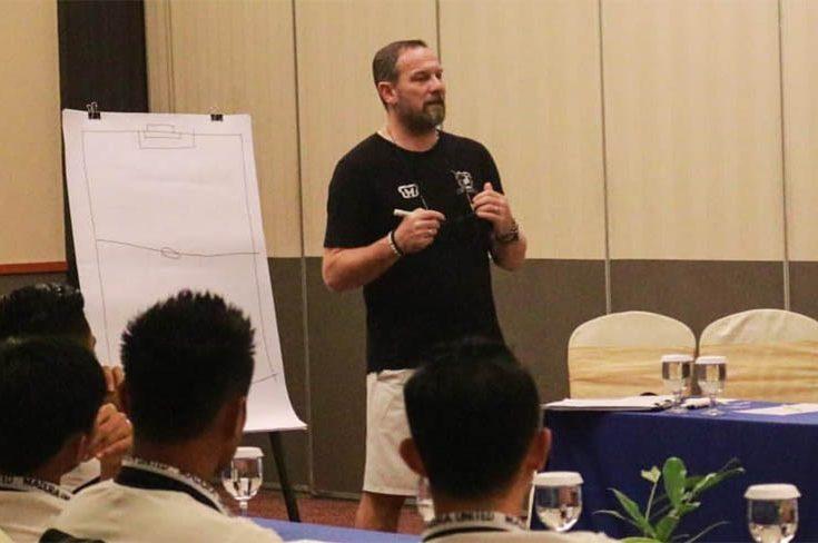 Dejan Antonic Bicara Soal Kekalahan Madura United dari Persipura Jayapura