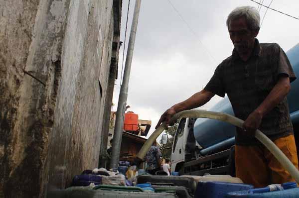 Hampir Sebulan 8 Wilayah Ini Krisis Air Bersih
