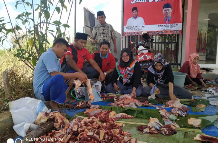 Tingkatkan Nilai Gotong Royong di Hari Raya Idul Adha, DPC PDIP Sumenep Berkurban 1 Ekor Sapi