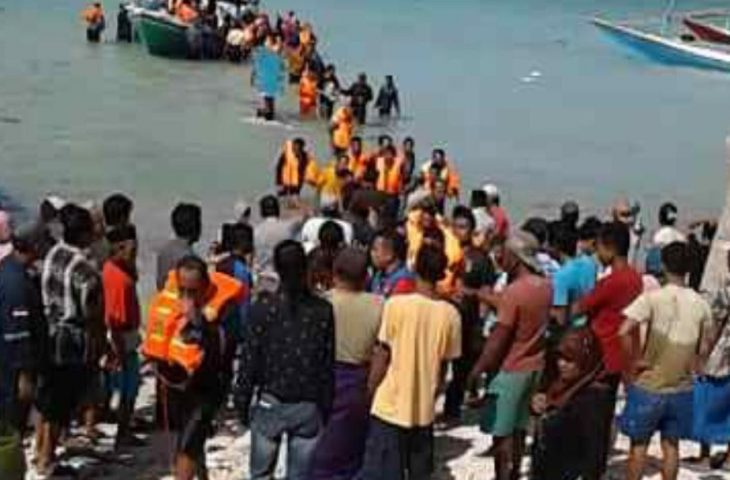 Evakuasi Kapal Terbakar di Perairan Masalembu Masih Berlangsung, belum Ada Laporan Korban Jiwa