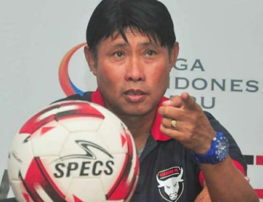 Pelatih Madura FC Eduard Tjong Mengundurkan Diri