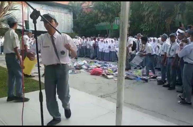 Kemenag Bangkalan Akan Selidiki Demo Siswa MAN Soal Buku Mahal dan Tuntut Kepsek Mundur
