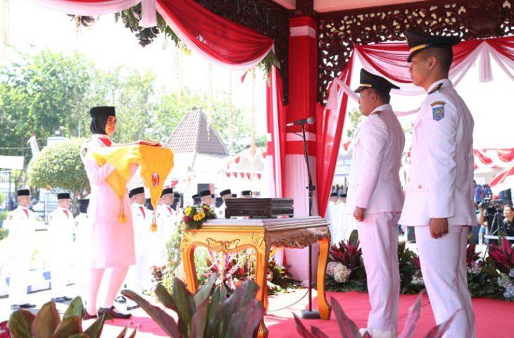 Bupati Sampang Jadi Inspektur Upacara, Proklamasi Kemerdekaan Berlangsung Khidmat