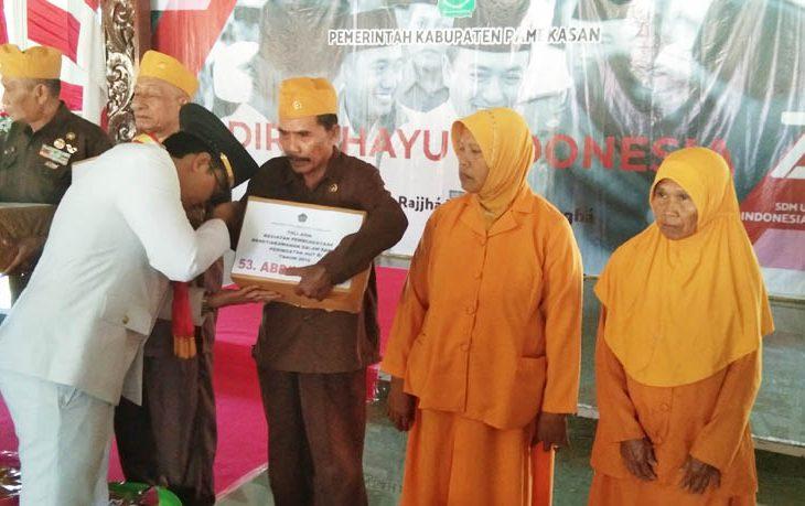 Dirgahayu Ke-74 RI, Bupati Pamekasan Dorong OPD Berikan Pelayanan Exelence kepada Masyarakat