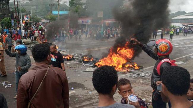 Demo di Papua, Satu Anggota TNI AD Tewas Terkena Panah