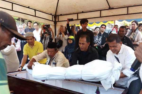 Pupung dan Dana yang Dihabisi Aulia akan Dimakamkan dalam Satu Liang Lahad
