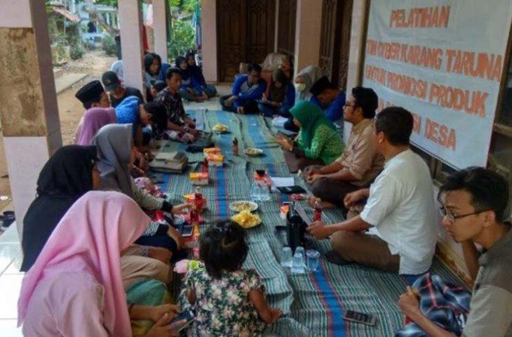 Promosikan Produk dan Potensi Desa, Karang Taruna Legung Barat Gelar Pelatihan Tim Cyber