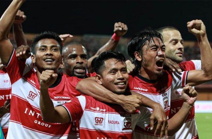 Pelatih Madura United Bicara Peluang Duetkan Pemain Asing di Lini Belakang saat Jamu Barito Putera