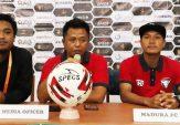 """Ingin Curi Poin di Kandang """"Mantan"""", AY Minta Pemain Madura FC Fokus Hadapi Persis Solo"""