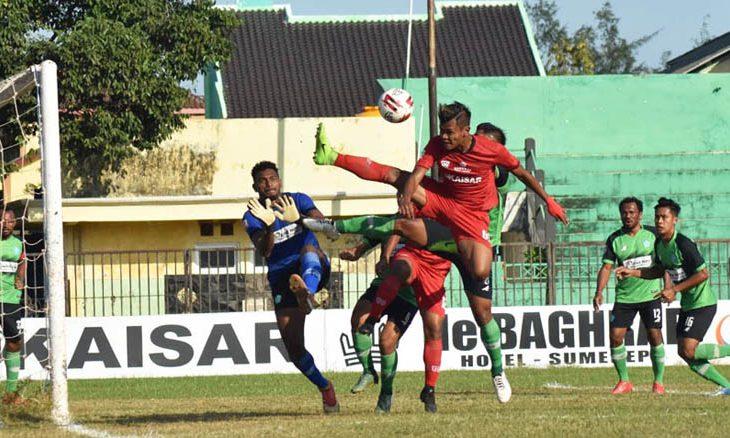 Diwarnai Penalti, Madura FC Diimbangi PSBS Biak di Babak Pertama