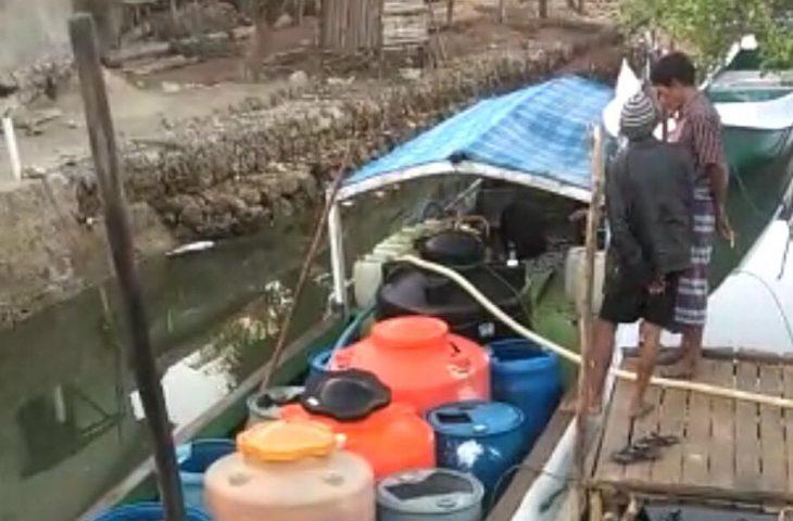 Terdampak Kekeringan, Warga Dusun Pabitta di Kangayan Beli Air Bersih dari Pulau Saobi