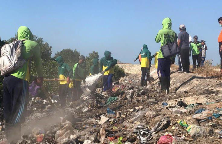 Kondisi Sampah di Area Pelabuhan Kalianget Memprihatinkan, Salah Siapa?