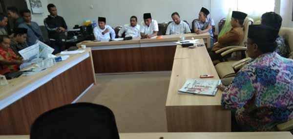 Pelaksanaan Pilkades Desa Tlonto Ares Dibatalkan, Panitia Mengadu Ke DPRD Pamekasan