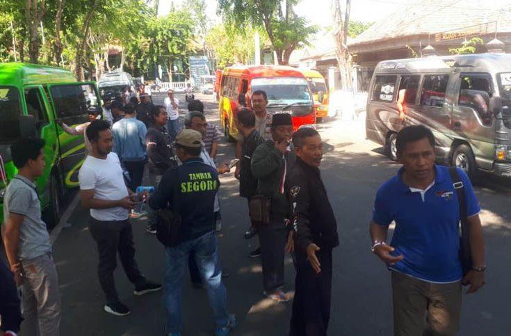 Tagih Janji Gubernur, Ribuan Petambak Garam Madura akan Demo di Kantor Pemprov Jatim