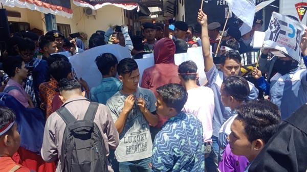 Terkait Pelayanan Administrasi Kependudukan, Mahasiswa Kepulauan Nilai MPP Tak Berdampak