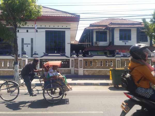 BOS Tambahan Rp 1,5 Miliar untuk 67 SD di Sampang Terancam Tak Terealisasi
