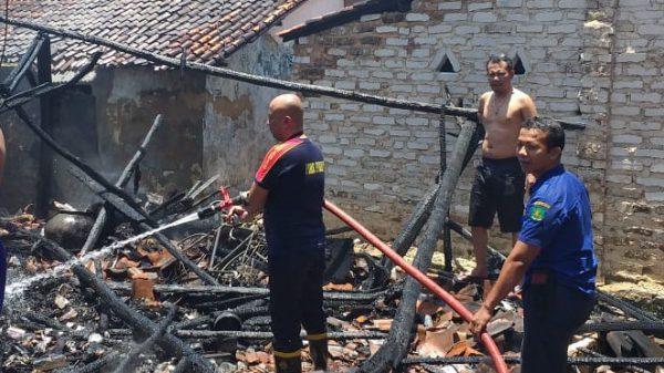 Ditinggal Jualan, Sebuah Rumah di Sumenep Terbakar